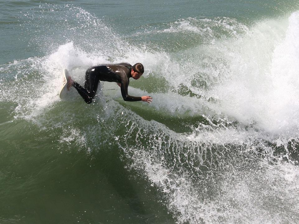 surfer-13413_960_720